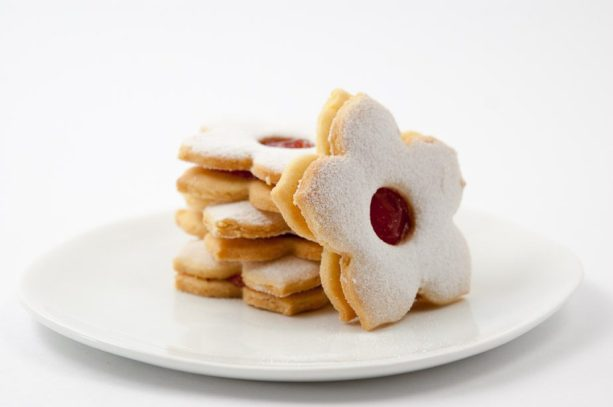 Linzer Augen with Orange & Red currant preserve
