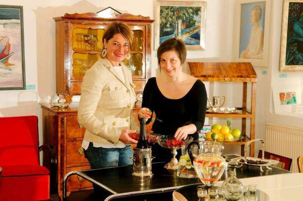 """Dinner 4 12"" Mag. Astrid Zinniel with Kristina at ""Antiques & Wine"" shop"